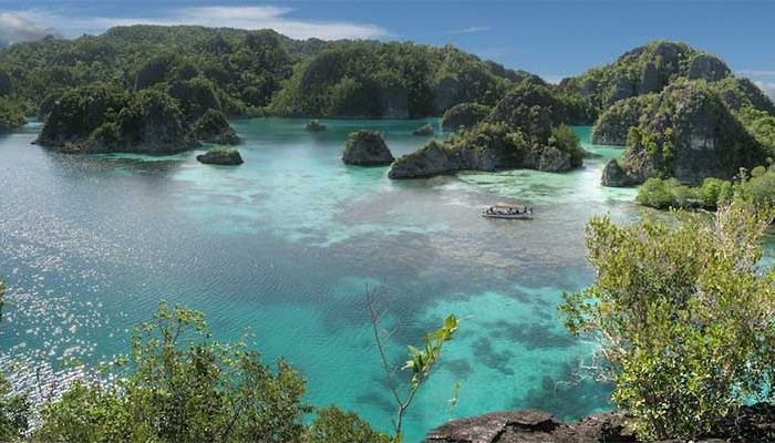 Fam-Trip-@papua-diving.com-copy